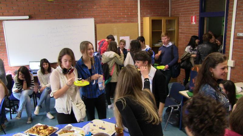 Recibiendo instituto Gadda, Italia, a las delegaciones de alumnos