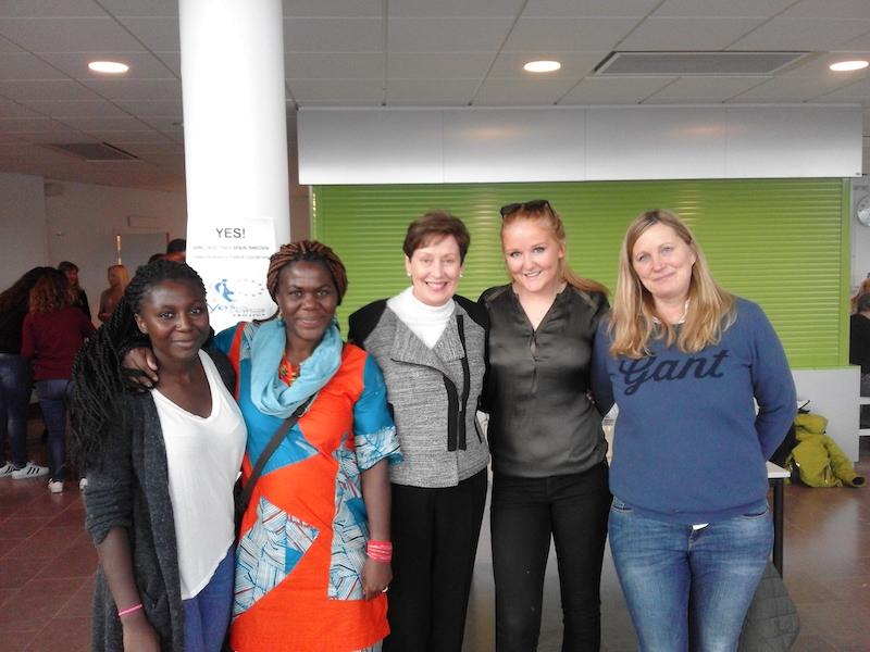 Áurea González, directora Lope de Vega con familias suecas. 4th Mobility Meeting, Sweden