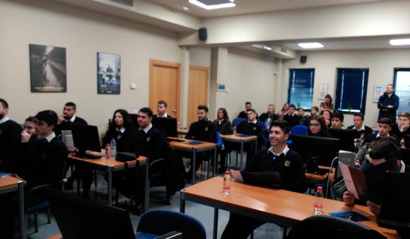 Los alumnos de los ciclos de Gestión y Administración visitan la empresa informática Clave-i