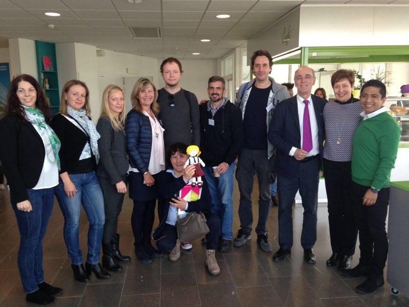 Foto de grupo de integrantes del Erasmus +.