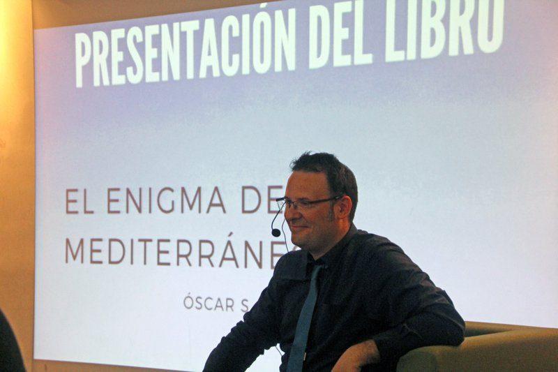 """Óscar Cortina presenta su nueva novela: """"El enigma del mediterráneo"""""""