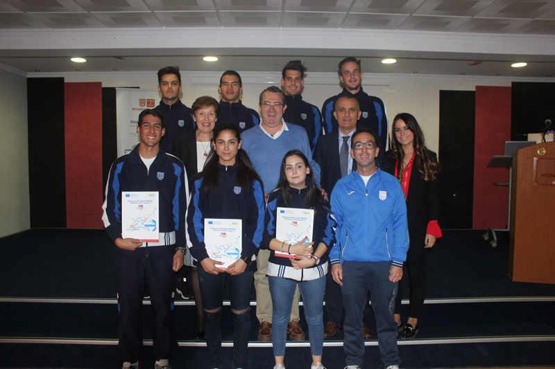 El Alcalde  ha entregado los diplomas Europass a los alumnos de Tcafmn