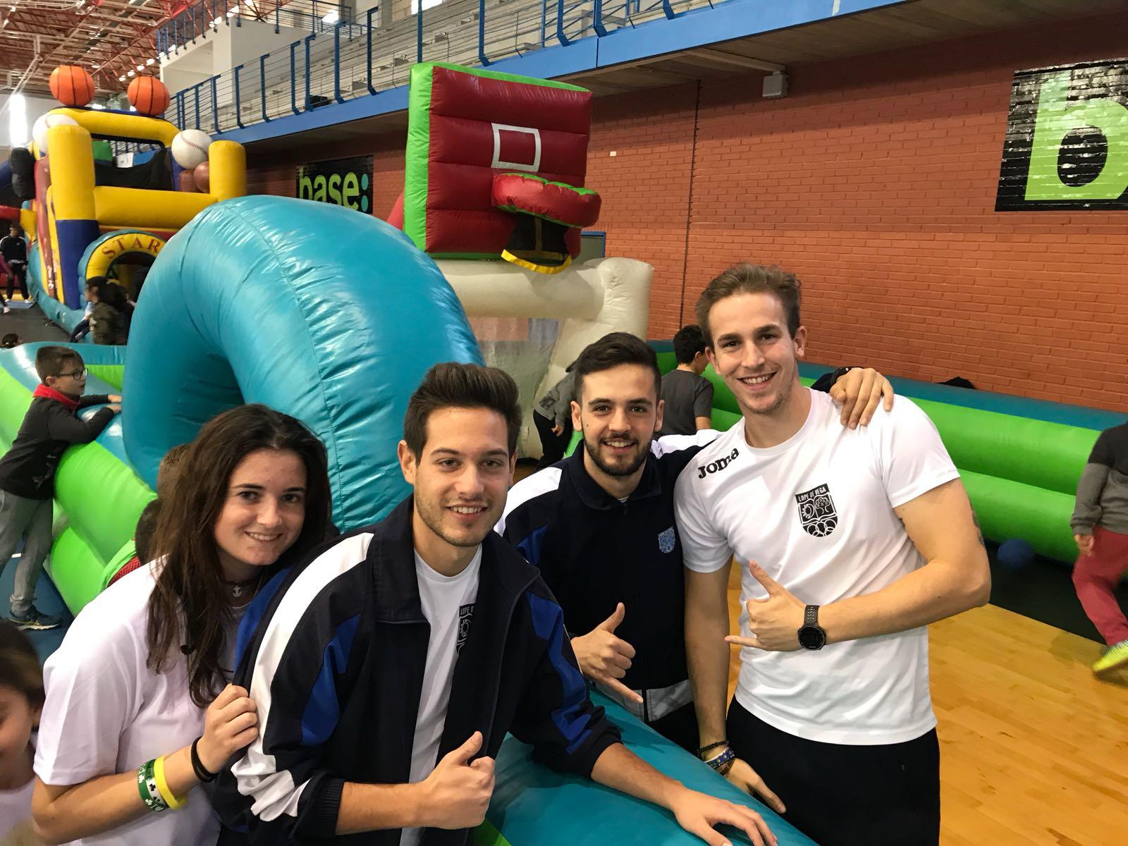 Los alumnos de TAFAD colaboran en la VIII Feria del deporte de Benidorm